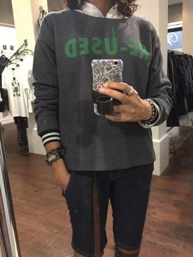 sweat shirt gris T M/L à flocage vert