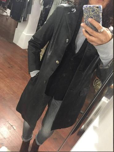 manteau cuir noir peint au dos