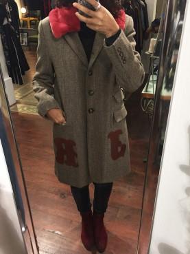 Manteau carreaux et col en fourrure prune
