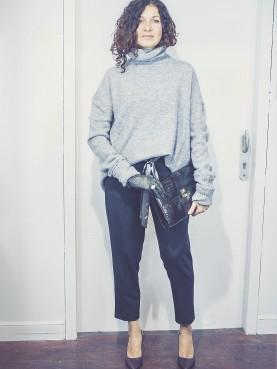 Pantalon noir à ceinture à nouer