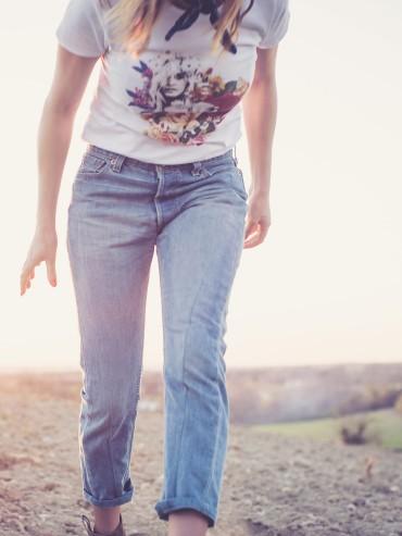 Cropped Upcycled jeans frayed hem