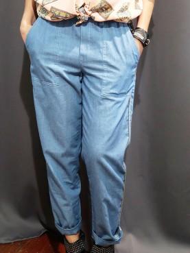 Pantalon denim léger à poches plaquées
