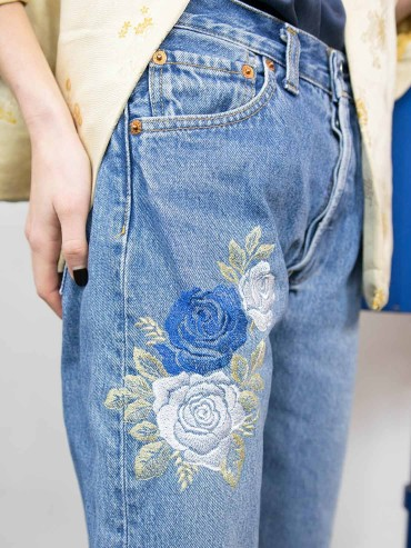 Embroidered jeans vintage chic