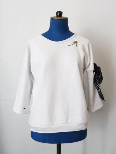 sweat blanc bandana noir