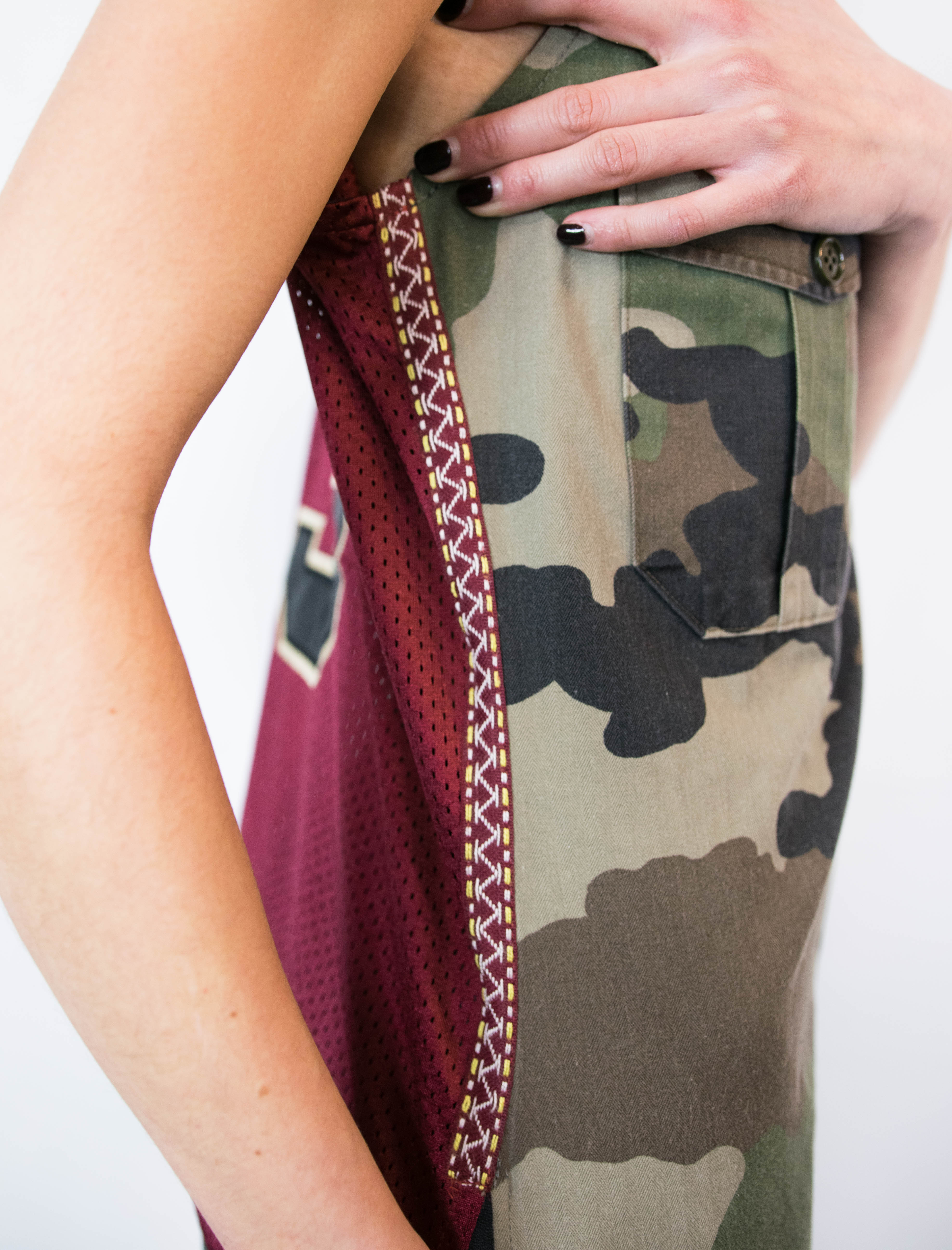 Detail top mix maillot basket et camouflage